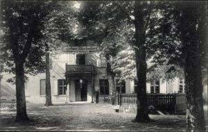 Ak Luftkurort Plau am See, Logierhaus Klüschenberg, Carl Martens