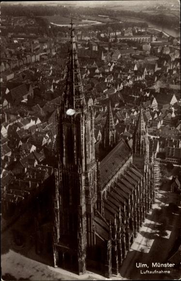 Ak Ulm an der Donau Baden Württemberg, Fliegeraufnahme, Ansicht vom Münster