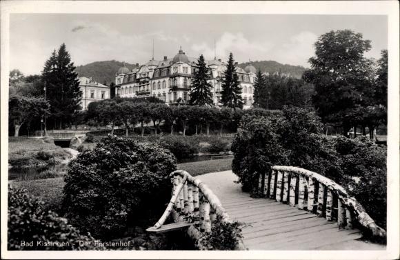 Ak Bad Kissingen Unterfranken Bayern, Blick auf den Fürstenhof, Holzbrücke