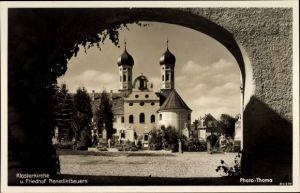 Ak Benediktbeuern, Durchblick auf Klosterkirche und Friedhof