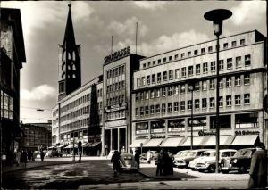 Ak Gelsenkirchen im Ruhrgebiet, Partie an der Sparkasse, Autos, Passanten, Geschäfte