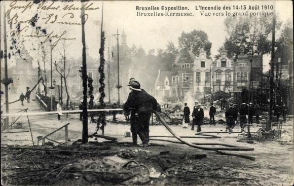 Ak Bruxelles Brüssel Belgien, L'Incendie des 14-15. Aout 1910, Vue vers le grand portique
