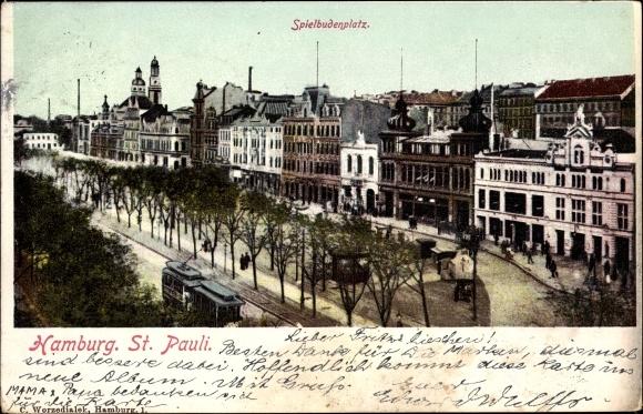 Ak Hamburg Mitte St. Pauli, Partie auf dem Spielbudenplatz, Wohnhäuser, Straßenbahn