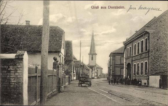 Ak Dornheim Groß Gerau in Hessen, Straßenpartie mit Blick zur Kirche, Brauerei L. Lerch