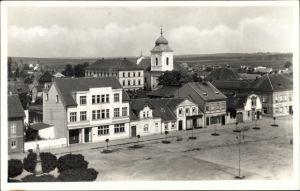 Ak Holice Holitz Region Pardubice, Blick auf den Marktplatz