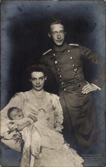 Ak Kronprinz Wilhelm von Preußen, Kronprinzessin Cecilie von Preußen, Prinz, Liersch