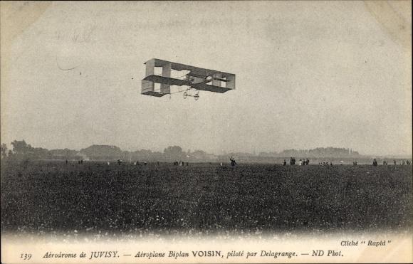 Ak Aérodrome de Juvisy, Aéroplane Biplan Voisin, piloté par Delagrange, Flugpioniere