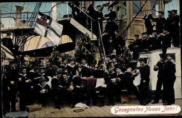 Ak Deutsche Matrosen an Bord eines Schiffes, Glückwunsch Neujahr, Reichskriegsflagge