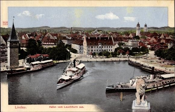Ak Lindau in Bodensee Schwaben, Blick auf den Hafen vom Leuchtturm aus