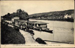 Ak La Ferte sous Jouarre Seine et Marne, Vue sur la Marne, les Petits Pres et I'lle