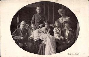 Ak Herzog Ernst August von Braunschweig, Herzog von Cumberland, Säuglingsfürsorge, Viktoria Luise