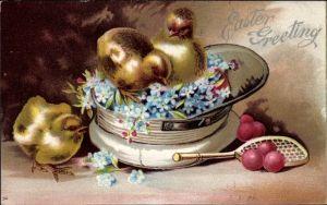 Präge Litho Glückwunsch Ostern, Küken einer Mütze, Tennisschläger, Vergissmeinnicht