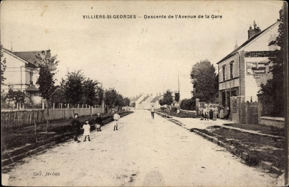 Ak Villiers Saint Georges Seine et Marne, Descente de l'Avenue de la Gare