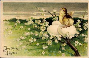 Präge Litho Glückwunsch Ostern, Küken brütet auf einem Baum Eier aus