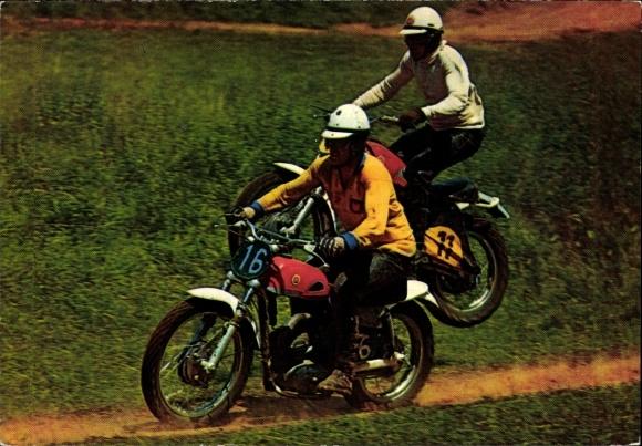 Ak Rennfahrer bei einem Motorradrennen, Motocross