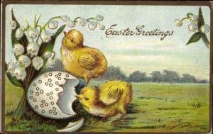 Präge Litho Glückwunsch Ostern, Zwei Küken und eine Eierschale, Maiglöckchen