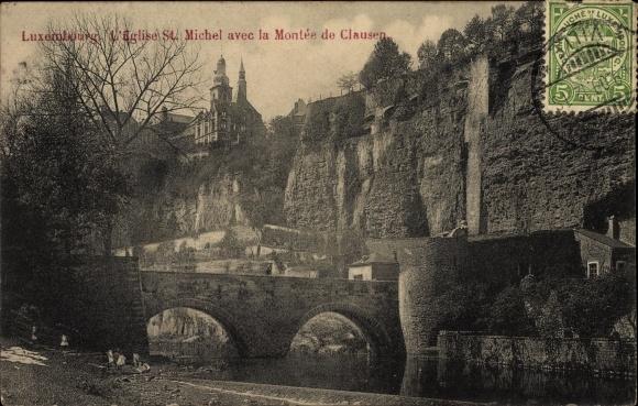 Ak Luxemburg, L'Eglise St. Michel avec la Montée de Clausen