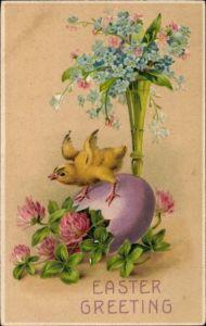 Präge Litho Glückwunsch Ostern, Küken auf einem Osterei, Kleeblätter