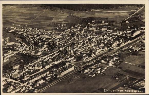 Ak Ebingen Albstadt im Zollernalbkreis, Fliegeraufnahme vom Ort