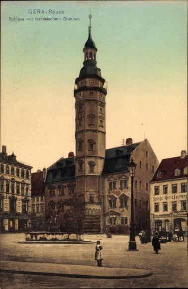 Ak Reuss Gera in Thüringen, Rathaus mit farnesischem Brunnen