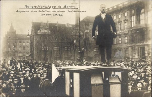 Ak Berlin Mitte, Revolutionstage 1919, Ansprache eines Arbeiters vor dem Schloss