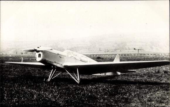 Ak Zlin Bata 12, Tschechoslowakisches Sportflugzeug