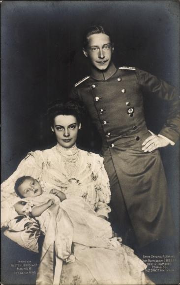 Ak Kronprinz Wilhelm von Preußen, Kronprinzessin Cecilie von Preußen, Sohn, Liersch