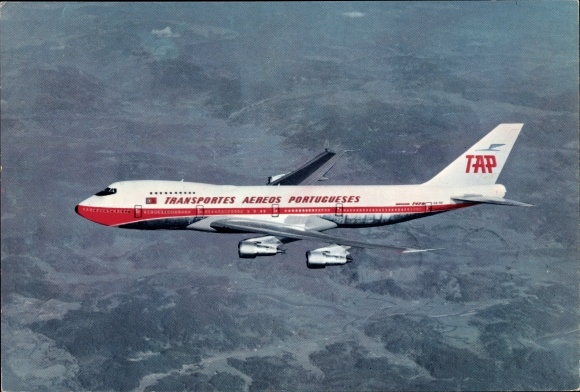 Ak Portugiesisches Passagierflugzeug der TAP Transportes Aereos Portugueses, Boeing 747-B, Navigator