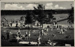 Ak Neustädtel Schneeberg im Erzgebirge, Strandbad Bergsee Filzteich, Badegäste