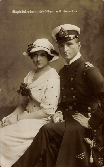 Ak Otto Weddigen, Marineoffizier, Kapitänleutnant, Portrait mit Gemahlin, U9, NPG 5251