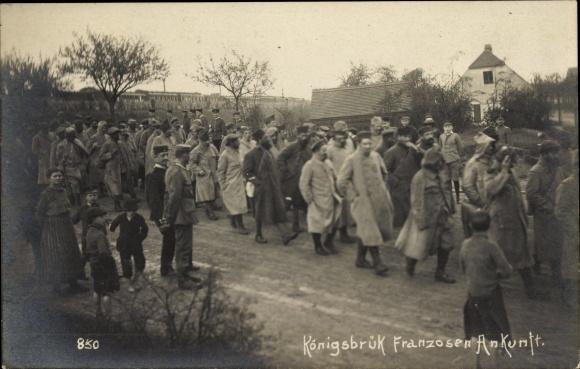 Ak Königsbrück in der Oberlausitz, Ankunft von französischen Kriegsgefangenen, I. WK