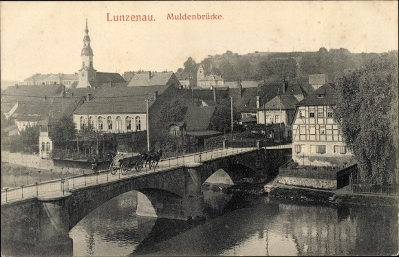 Ak Lunzenau in Sachsen, Blick auf die Muldenbrücke, Pferdekutsche