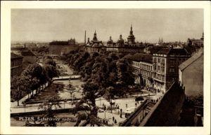 Ak Plzeň Pilsen Stadt, Safarikovy sady, Grünanlagen, Vogelschau