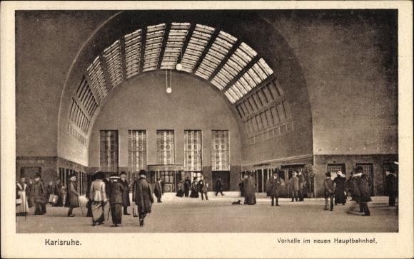 Ak Karlsruhe in Baden Württemberg, Partie in der Vorhalle vom neuen Hauptbahnhof