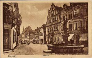 Ak Kronach im Frankenwald Bayern, Partie am Rathaus mit Brunnen