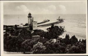 Ak Kołobrzeg Kolberg Pommern, Leuchtturm, Hafeneinfahrt