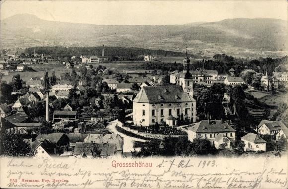 Ak Großschönau im Kreis Görlitz, Panorama vom Ort, Seitenansicht der Kirche