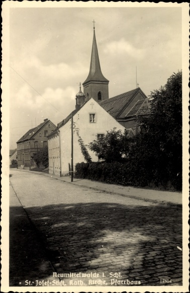 Ak Międzybórz Neumittelwalde Schlesien, St. Josef Stift, Kath. Kirche, Pfarrhaus