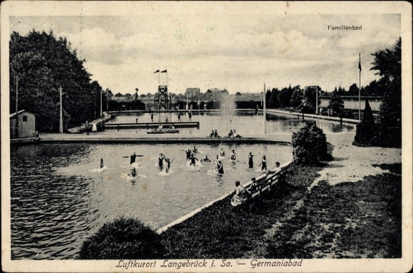Ak Dresden Nord Langebrück, Germaniabad, Badegäste im Familienbad