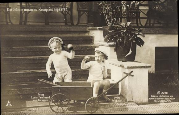 Ak Prinz Wilhelm von Preußen, Prinz Louis Ferdinand von Preußen, Söhne des Kronprinzenpaares