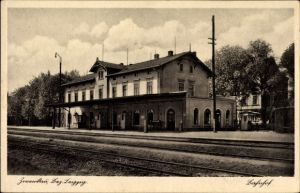 Ak Zwenkau in Sachsen, Ansicht vom Bahnhof, Gleisseite