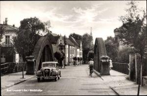 Ak Bad Lausick in Sachsen, Partie auf der Badstraße, Auto, Radfahrer, Brücke, Auto Union Oldtimer
