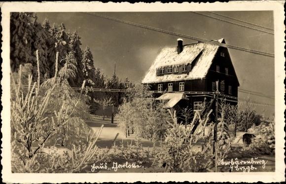 Ak Oberbärenburg Altenberg im Osterzgebirge, Blick auf Unterkunftshaus im Winter