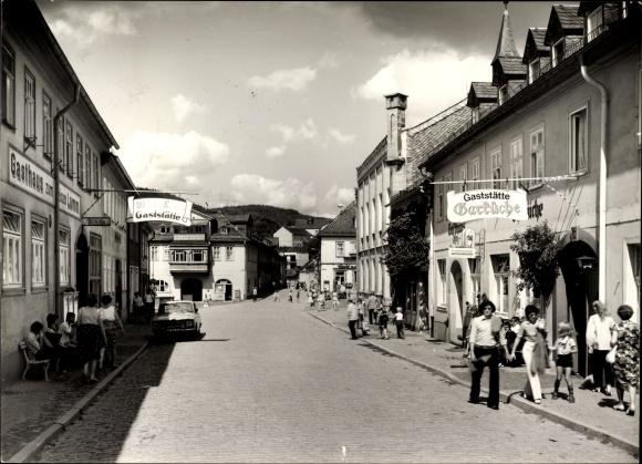 Ak Leutenberg in Thüringen, Straßenpartie im Ort mit Gaststätte Garküche, Gasthaus zum weißen Lamm