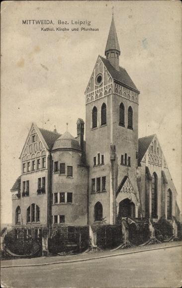 Ak Mittweida in Sachsen, Blick auf Kath. Kirche und Pfarrhaus