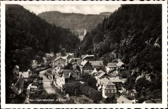 Ak Hřensko Herrnskretschen Elbe Reg. Aussig, Teilansicht, Ort im Tal