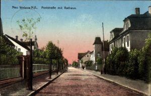 Ak Welzow Niederlausitz, Poststraße mit Rathaus, Straßenpartie
