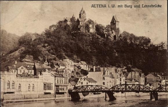 Ak Altena im Märkischen Kreis, Teilansicht der Stadt mit Burg und Lennebrücke