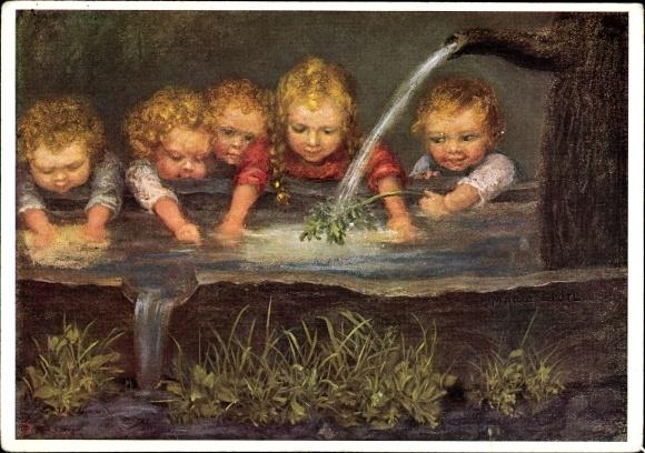 Künstler Ak Spötl, Maria, Mutters Hilfe, Kinder spielen im Wassertrog