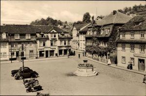 Ak Bad Blankenburg im Kreis Saalfeld Rudolstadt Thüringen, Partie am Markt, Autos, Motorräder